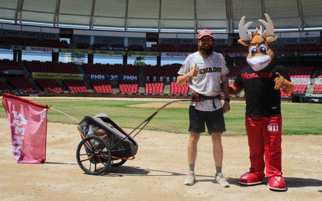 Club Venados de Mazatlán recibió a Jonas Deichmann en su recorrido por el mundo